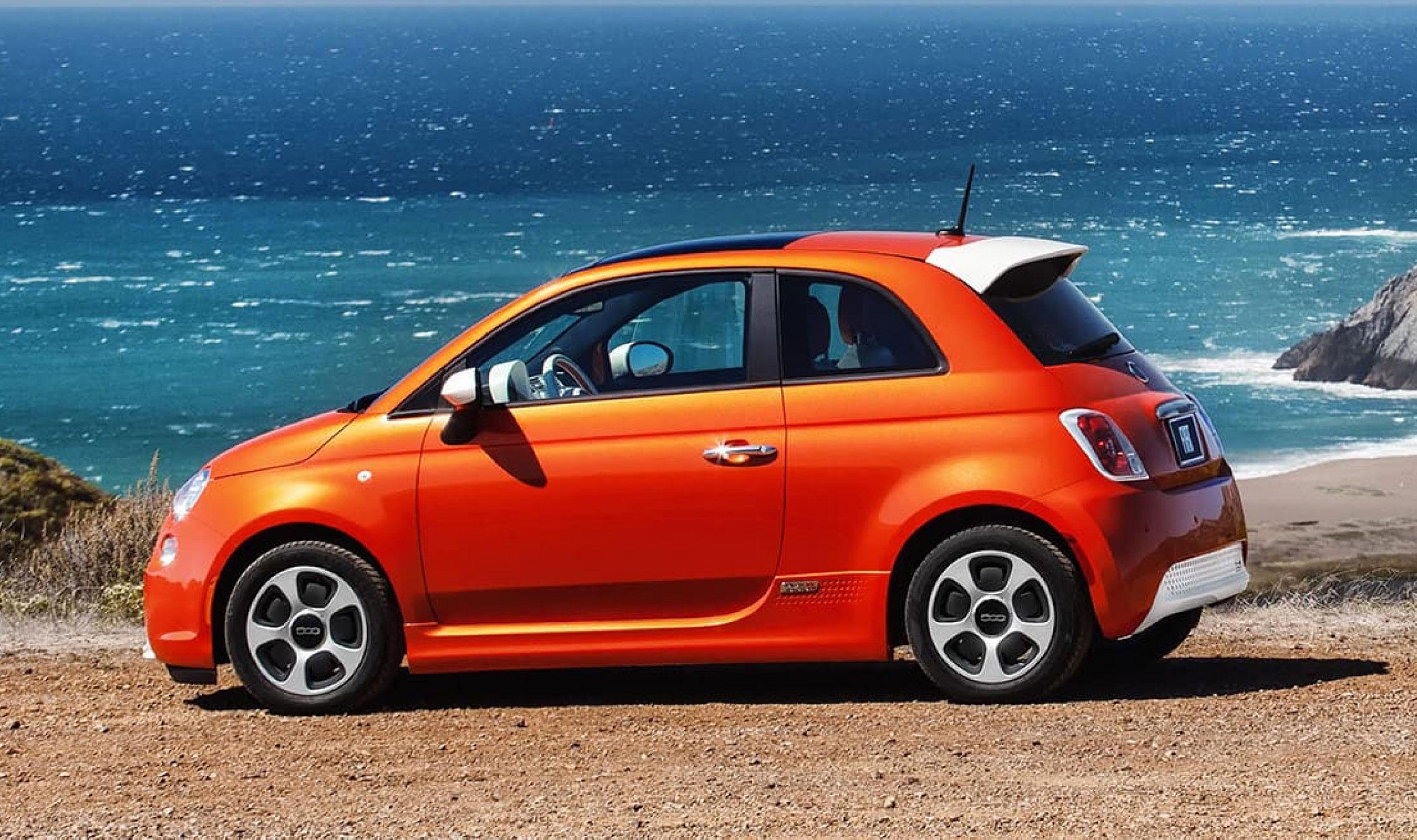 Fiat 500e on the beach